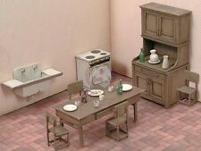 Royal Model 1/35 Kitchen Furniture WWII [Resin Diorama Accessory Model kit] 556