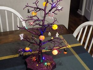 Avon Halloween Led Sparkle Tree 19 With Ornaments Pumpkins