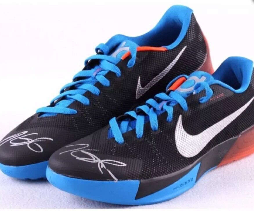 36ba8ec82c6b Kevin Kevin Kevin Durant Duel Signed Kd Shoes With JSA LOA 9e01be ...