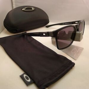 bbb79820d5 OAKLEY CATALYST BLACK INK WITH WARM GREY LENSES SUNGLASSES 9272-08 ...