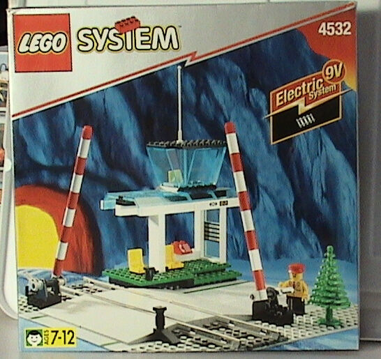 Lego Train 9V 4532 Manual Level Crossing NEW Sealed