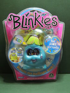 Blue Blinkies Virtual Friend Handheld Electronic Keychain Pet Game Playmates