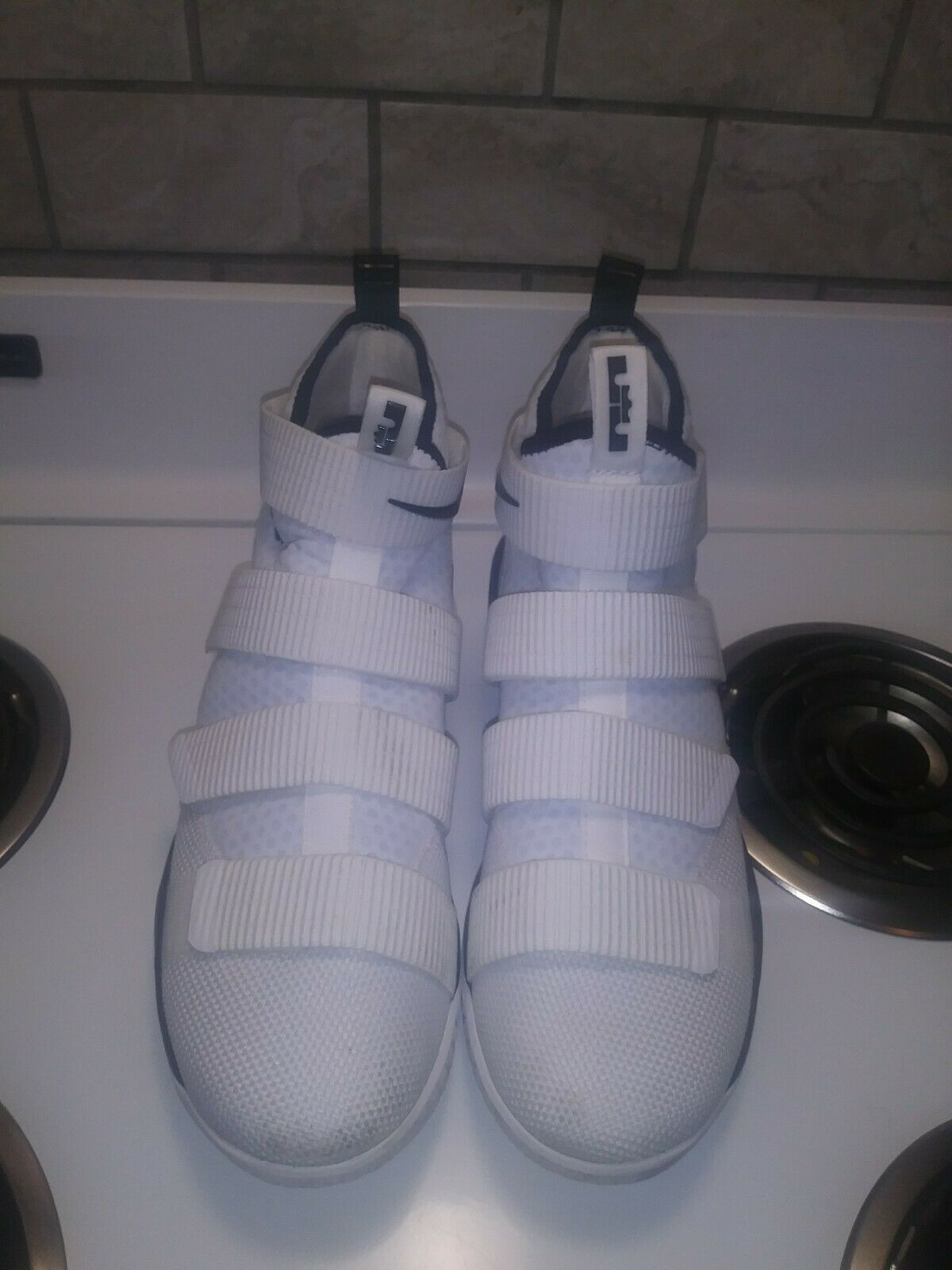 Nike Lebron Soldier XI  Mens Basketball shoes Size 12