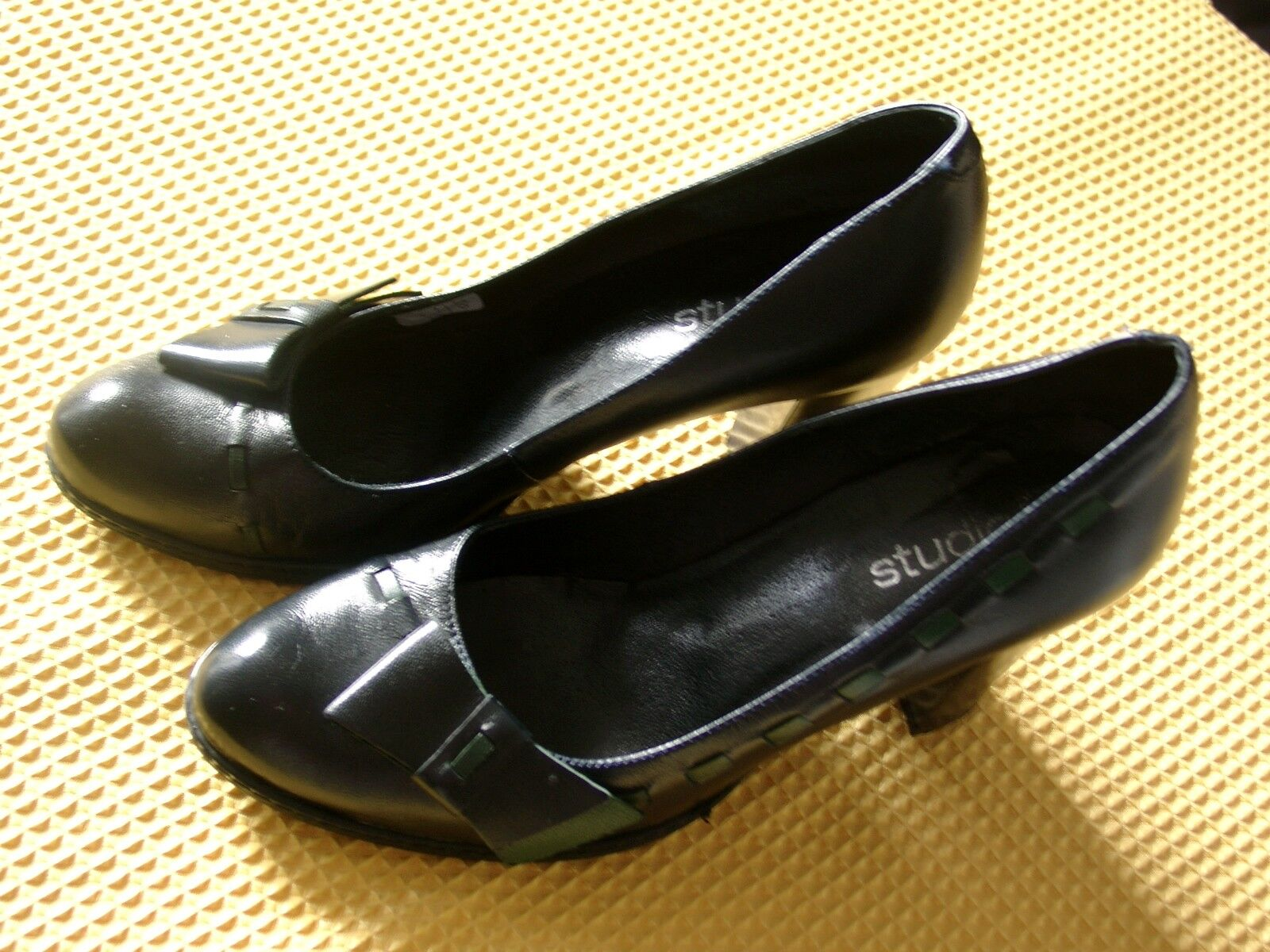 Trachten- Pumps High Heels Made in in in Spain Leder Studio W Gr. 38 nur 1x getragen 45f0d4