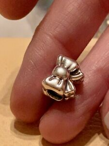Genuine-Pandora-Silver-Bow-Ribbon-Charm-791204