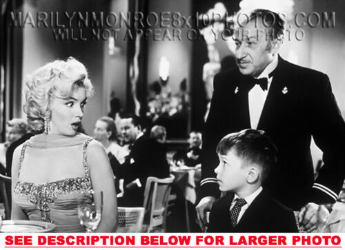 MARILYN MONROE SURPRISED BY BOY ONSET 1xRARE8x10 PHOTO