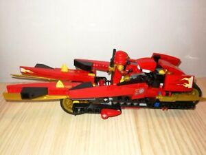 Moto-Ninja-Lego-Ninjago-et-Personnage-La-moto-de-kai