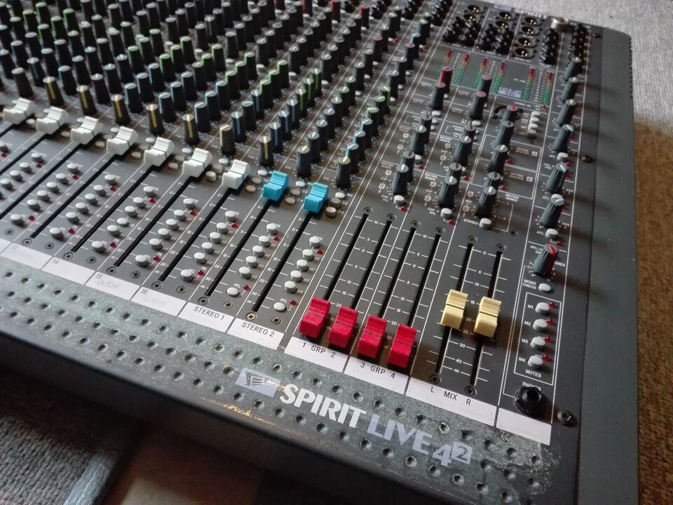 mixer, Soundcraft Spirit 4