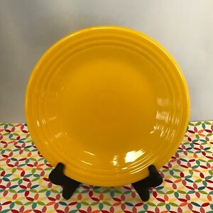 Fiestaware-Daffodil-Lunch-Plate-Fiesta-Yellow-9-inch-Luncheon-Plate