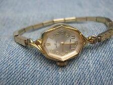 Women's Vintage WALTHAM Petite Swiss Mechanical Gold Watch - 17 Jewels