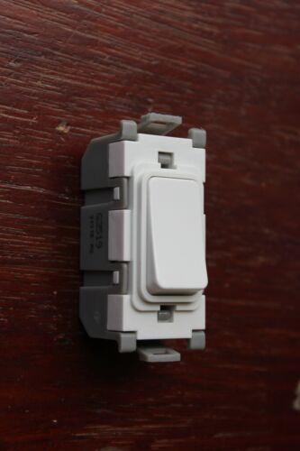 DETA G3519 Grille Module 20 A DP Pousser à faire de Réenroulement Interrupteur Blanc Unlettered