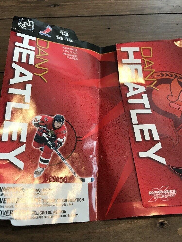 Signed Dany Heatley  Mcfarlane  NHL NHL NHL  Series 13 Figure Autograph 06cb61