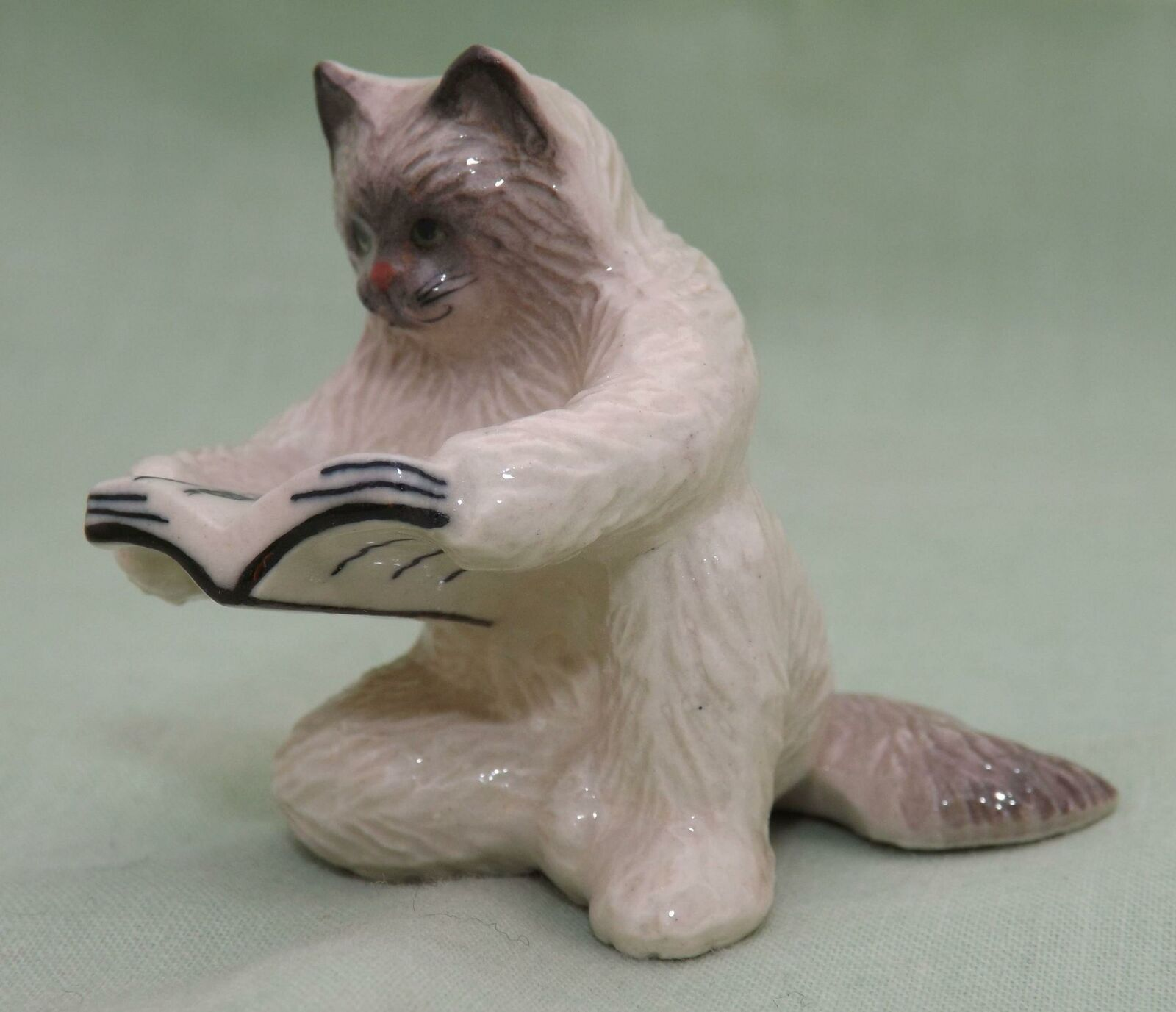 Klima Miniature Porcelain Animal Figure Persian Cat Paws Dangling K388