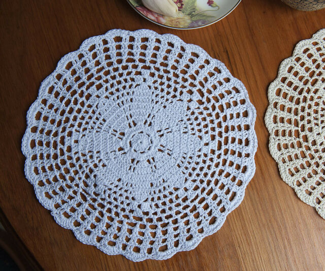 Cotton Hand Crochet Lace Doily Doilies Placemat Mat Round 20CM White/Beige FP06