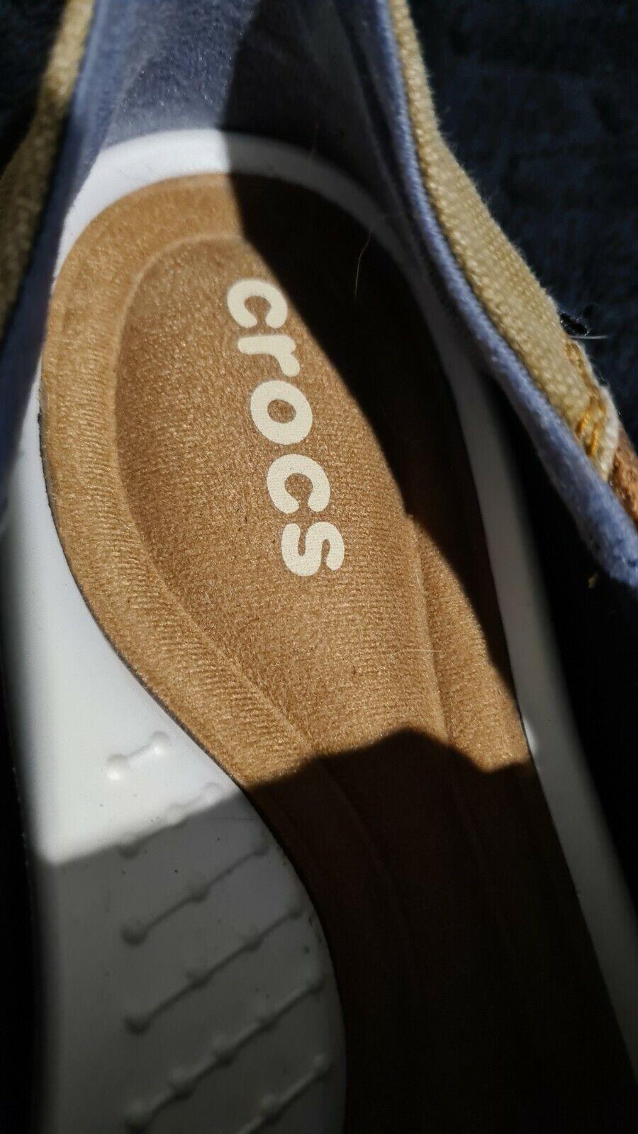crocs canvas slippers  12M - image 2