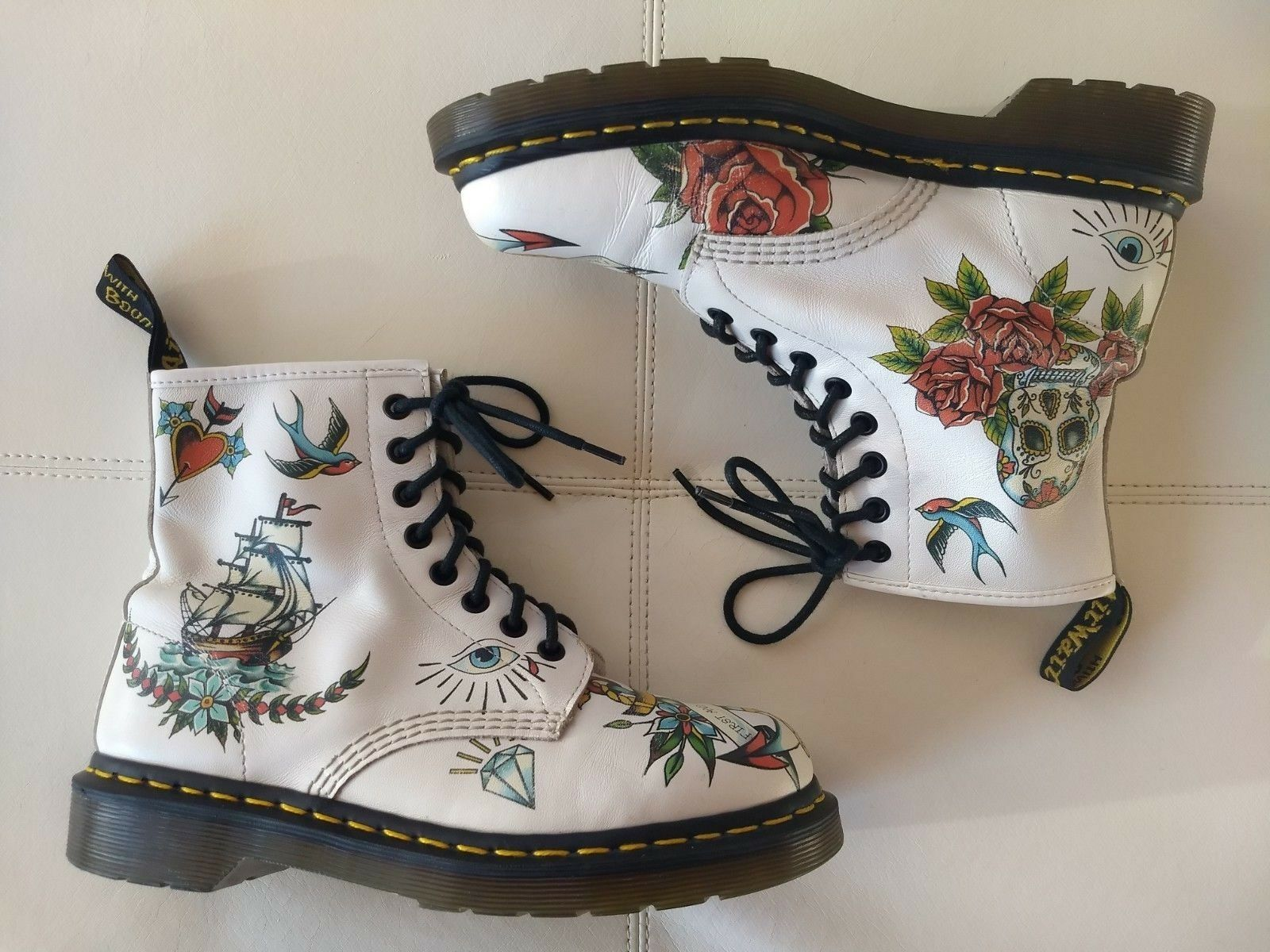 DOC DR MARTENS LOUIE WHITE TATTOO LEATHER BOOTS RARE VINTAGE UNISEX 6UK US W8M7