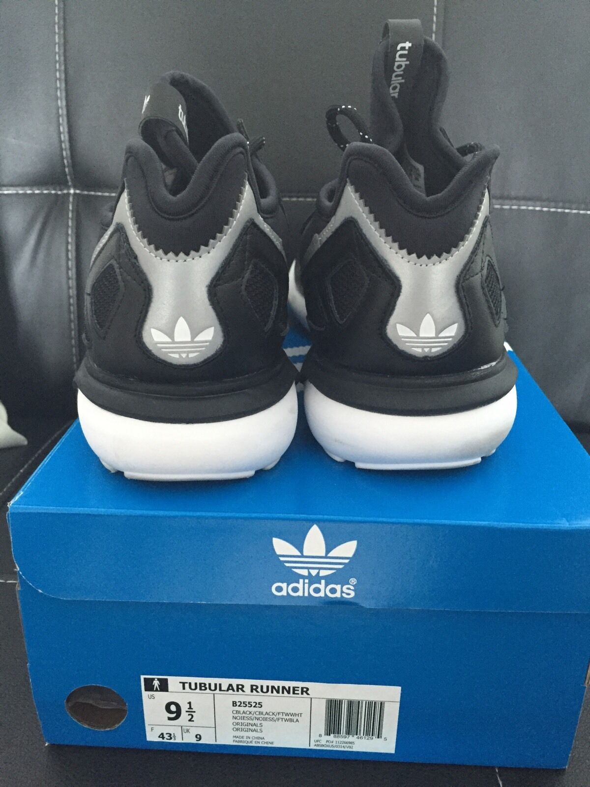 meet 75486 7dbf5 chic Adidas Originals Tubular Runner Shoes Black White ...