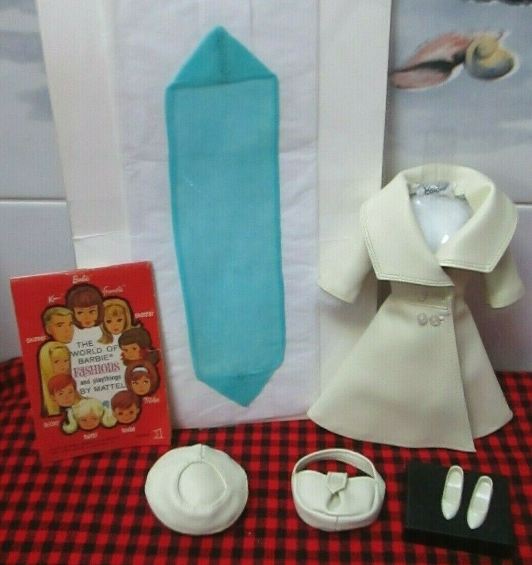 Extremamujerte Raro 1966 Barbie Vintage   Londres Tour   1661  7 Piezas. completo + como Nuevo  Bufanda Azul