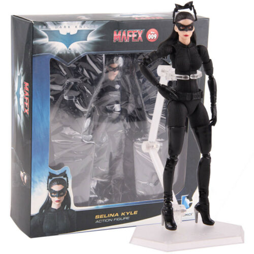 DC Comics The Dark Knight Trilogy Mafex 009 Catwoman Selina Kyle Action Figure