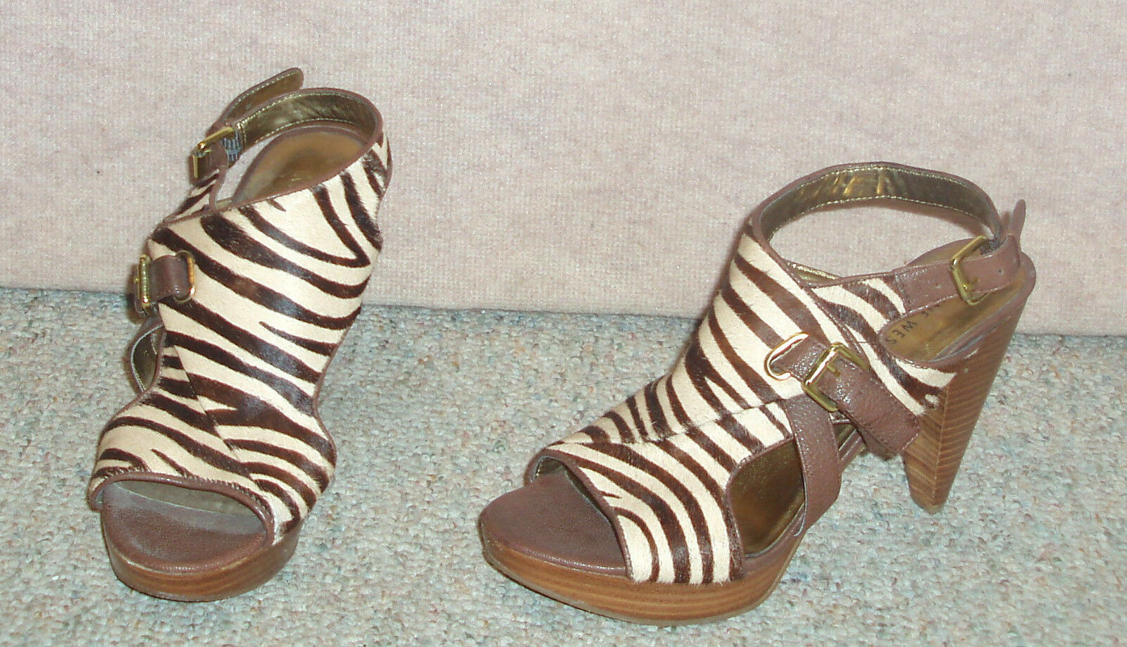 Women's brown striped NINE WEST  cow leather / fur sz sandals / shoes , sz fur 8.5 M 0b56a4