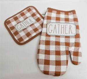 Rae Dunn Inspired Pot Holders and Oven Mitt custom set