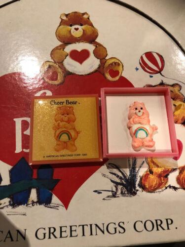 "CARE BEARS /""CHEER BEAR/"" VINTAGE PIN AMERICAN GREETINGS CORP 1985"