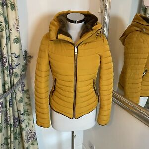 Zara-XS-6-8-yellow-padded-fur-trim-hooded-fitted-jacket-walking-mustard-blogger