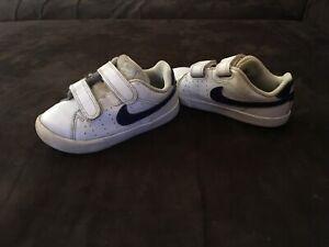 chaussure nike enfant garçon 25