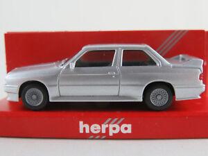 Herpa-3061-BMW-M3-1986-1991-in-silbermetallic-1-87-H0-NEU-OVP