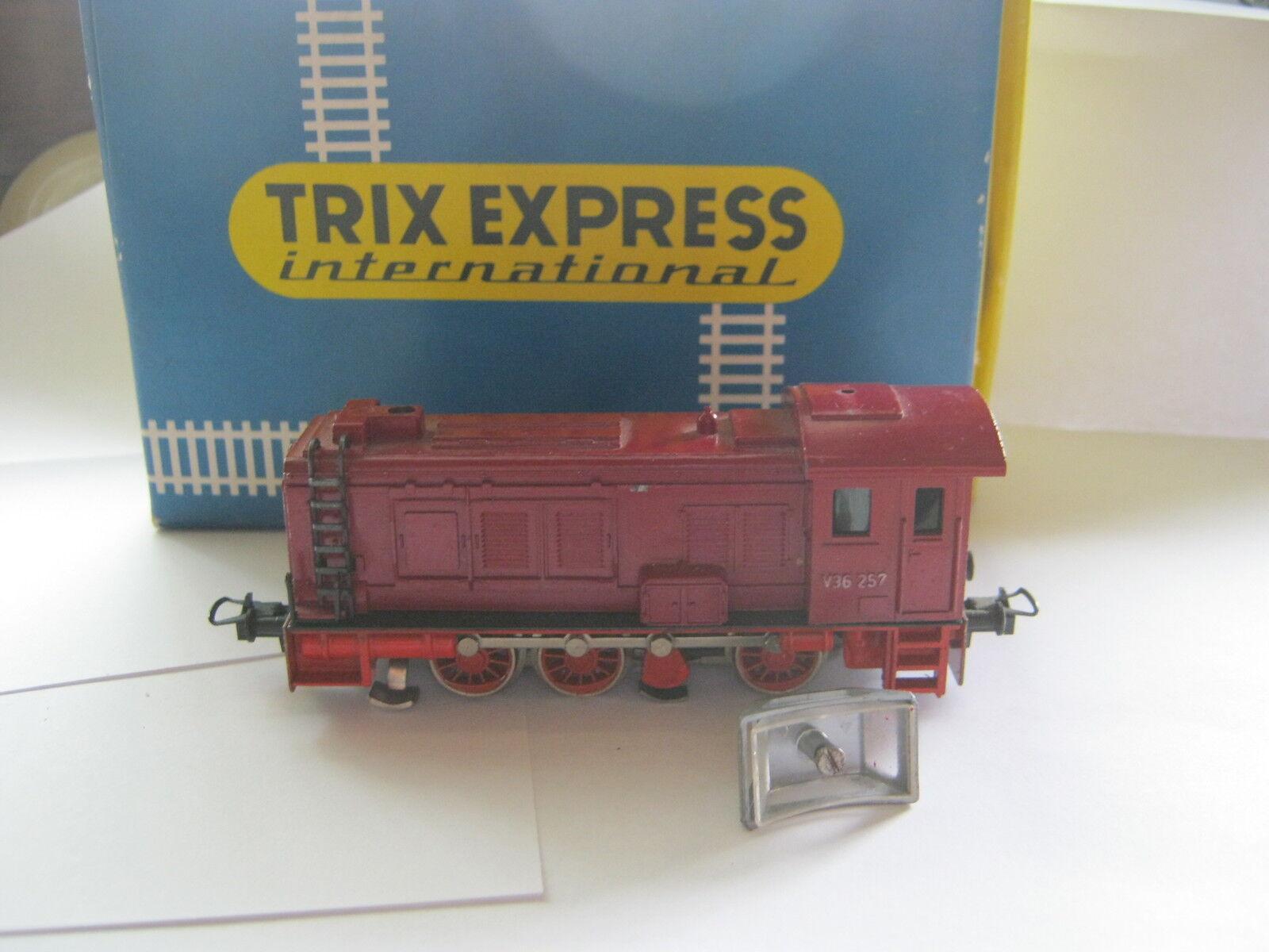 autorización oficial Trix Trix Trix ho 2462 diesel Lok btrnr v36257 DB rojo (rg az 55s8)  barato en alta calidad