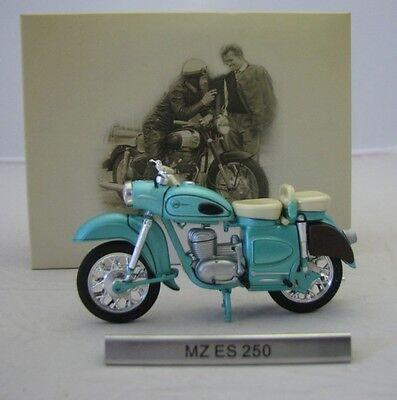 Model Motorcycle 1/24 east germany MZ ES 250 light green. GDR Motorbike. Atlas