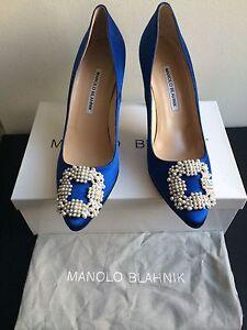 c73b66bed5d312 NIB  965 Manolo Blahnik Hangisi 90 Pearl Satin Pumps Cobalt Blue ...