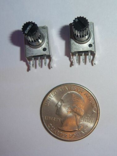 2x Linear Potentiometer Resistance 1K OHM New PCB mount right angle USA