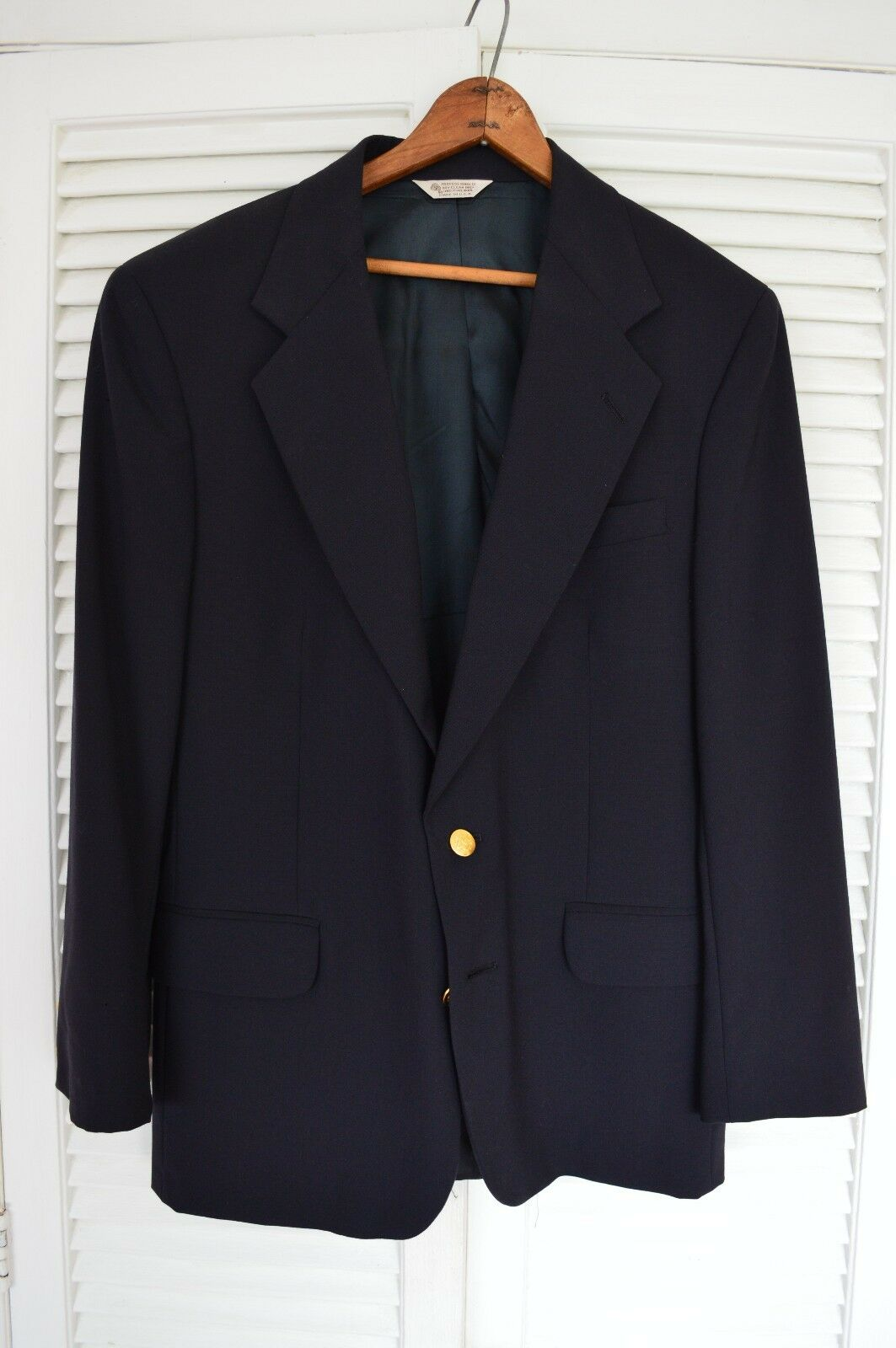 Christopher Hayes 42R Sport coat Macy's Navy bluee gold Buttons