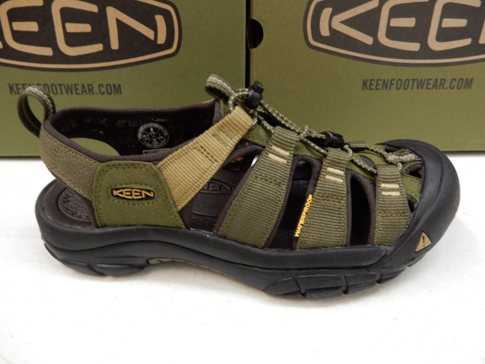 Keen Mens nuovoport Hydro Dark Olive Antique Bronze 12