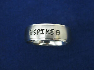 Stainless-Steel-8mm-Personalized-Engraved-Name-Ring-with-Name-of-Pet-Dog-amp-Skull
