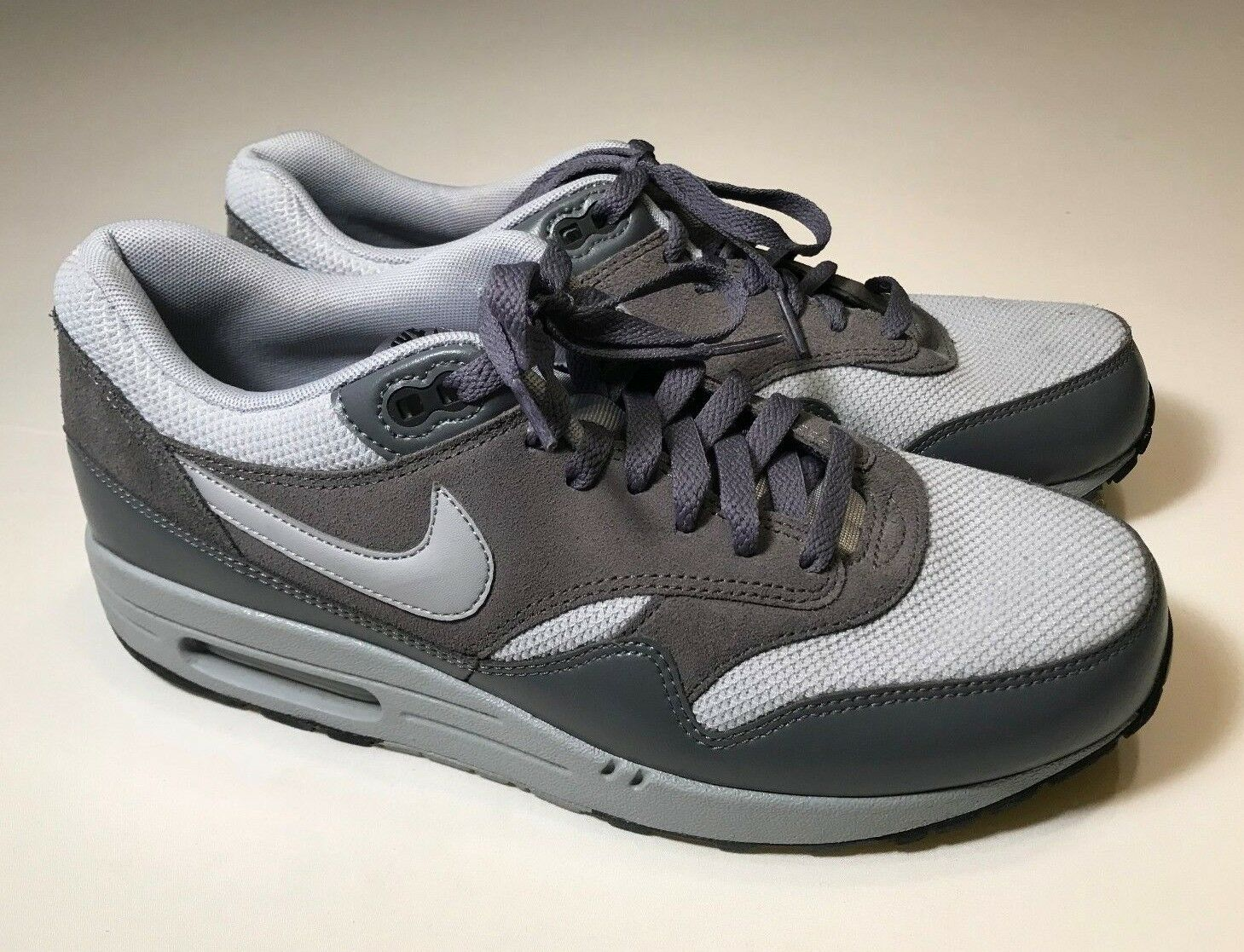 Nike Air Max 1 Essential (537383-019) Wolf Gray Athletic Shoes Men 10, EUC