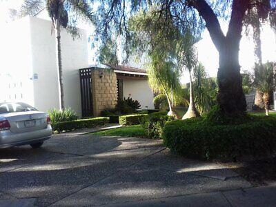 Hermosa Casa Balvanera Golf & Polo Country Club un piso, gran jardín