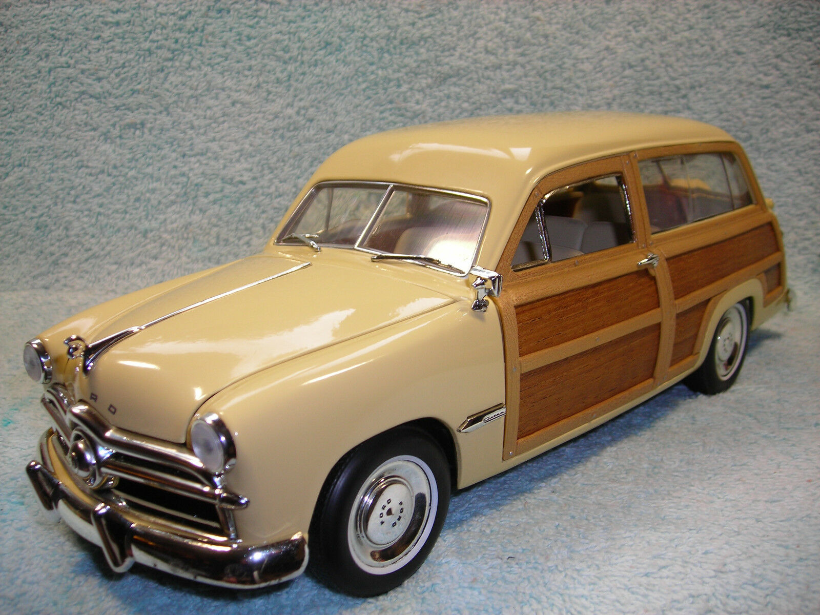 1 18 1949 FORD WOODY WAGON IN LIGHT YELLOW\REAL WOOD BY MOTOR CITY CLASSICS.