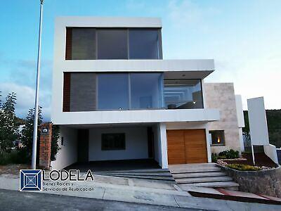 VENTA Casa residencial nueva de 3 Rec c/baño, jardín, cuarto de juegos, Club de Golf La Loma, SLP