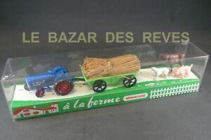"""MINIALUXE FRANCE. Coffret tracteur  """"à la ferme"""". + Boite."""