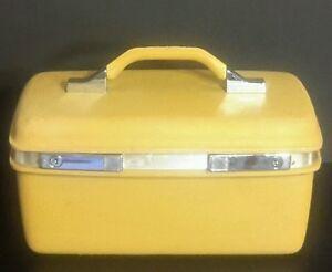 vintage samsonite royal traveller vanity makeup train case golden yellow luggage ebay. Black Bedroom Furniture Sets. Home Design Ideas