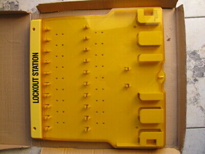 Includes 20 Steel Padlocks Master Lock 20 Pack Lockout Station with Cover