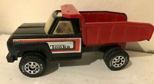 Vintage-1970-039-s-Tonka-Truck-Pressed-Steel-Dump-Truck-Black-Red-Roof-Opening-13254