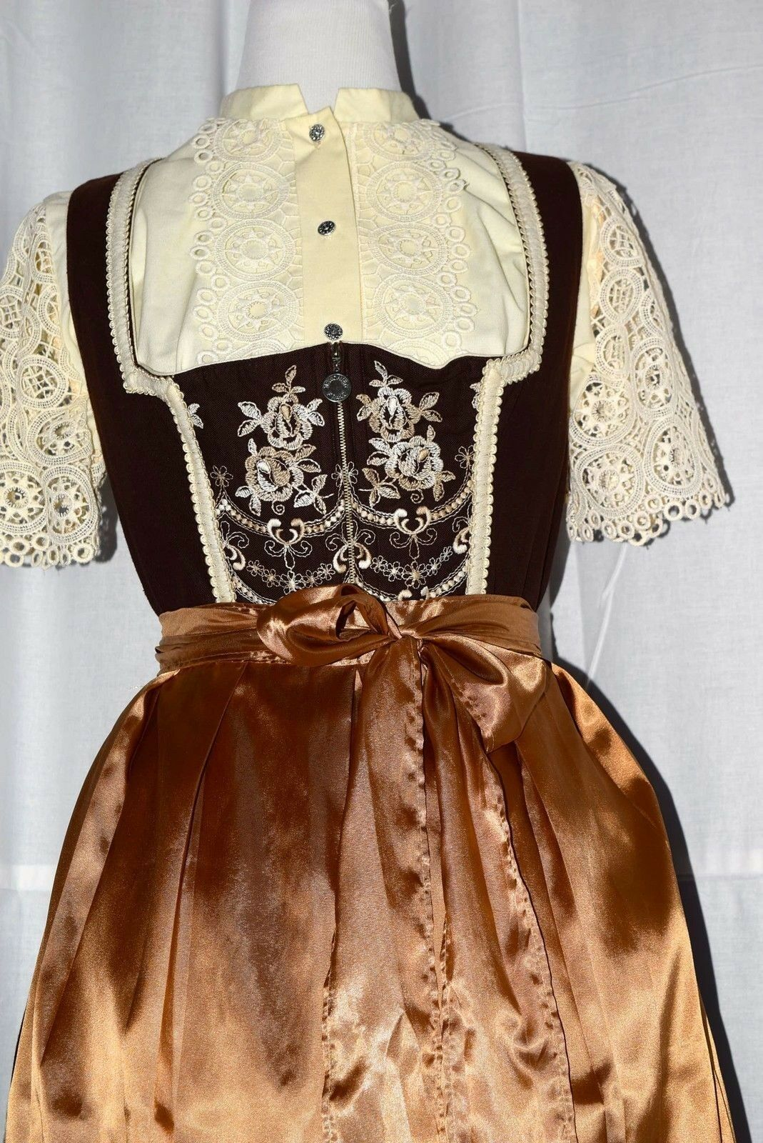 Vintage Dirndl Balkonett GR 46 + Blause m. Plauener Spitze Spitze Spitze + Schürze verm. Rosa   Creative    Feinbearbeitung    Hochwertige Produkte  f037cc