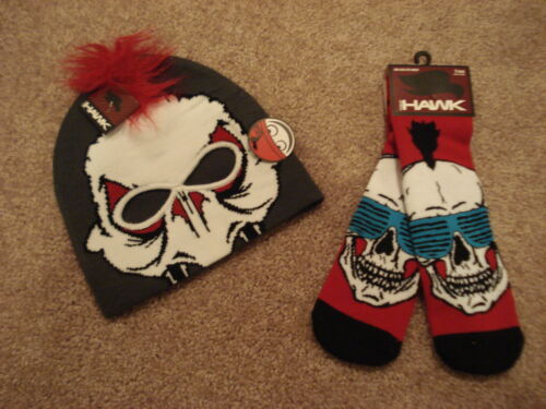 TONY HAWK SET BEANIE/&NON-SLIP GRIPPERS ON SOLE Size-ONE SIZE FITS MOST NWT