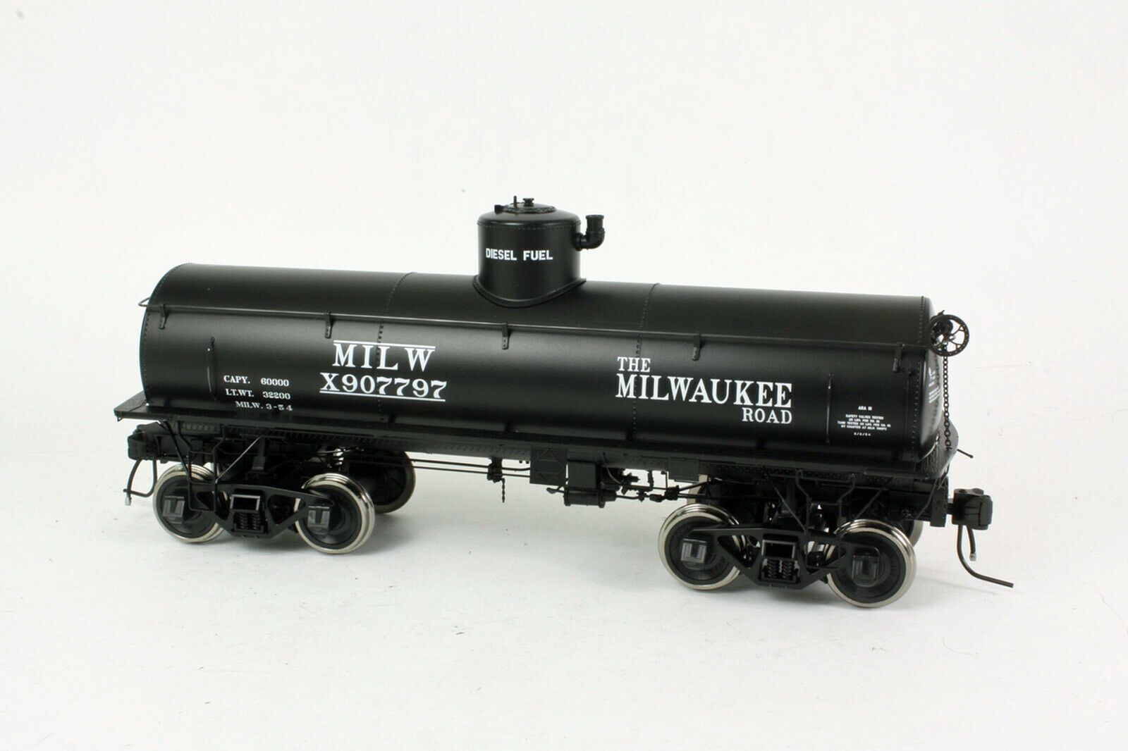 SAN JUAN CAR CO MILWAUKEE ROAD TANK CAR O Scale 2 Rail Model RTR SJC797