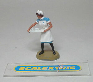 Vintage 60's Nurse Figure 1.32 (with tray) SCALEXTRIC & AIRFIX SUITABLE - A211
