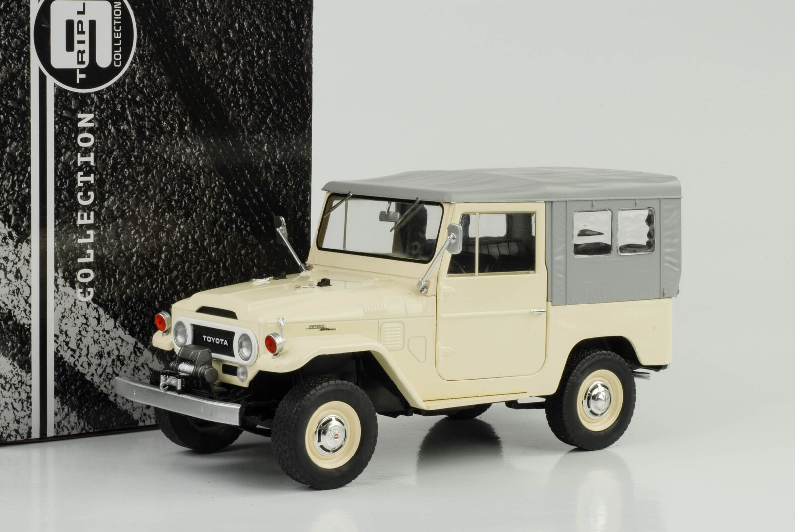FJ40 TOYOTA LAND CRUISER 1967 BEIGE TOIT SOUPLE grey,échelle 1 18 Triple9