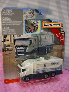 SCANIA-TACTICAL-COMMAND-CENTER-white-truck-POLICE-2019-Matchbox-Working-Rigs
